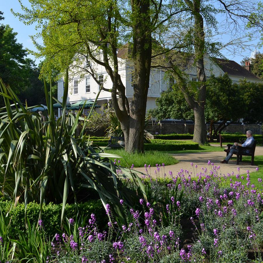 lauderdale-garden-900-sq